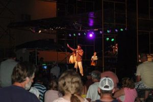 Ronnie McDowell in West Virginia with guest bass guitarist, Jimmy Prince. (For photos, click here)